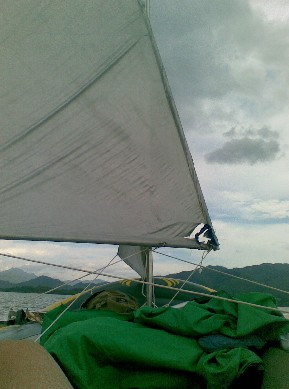 翠屏湖自制橡皮艇帆船漂流三天