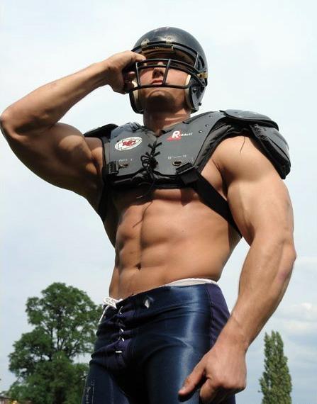 减脂增肌同时进行 让胖子迅速变身肌肉男