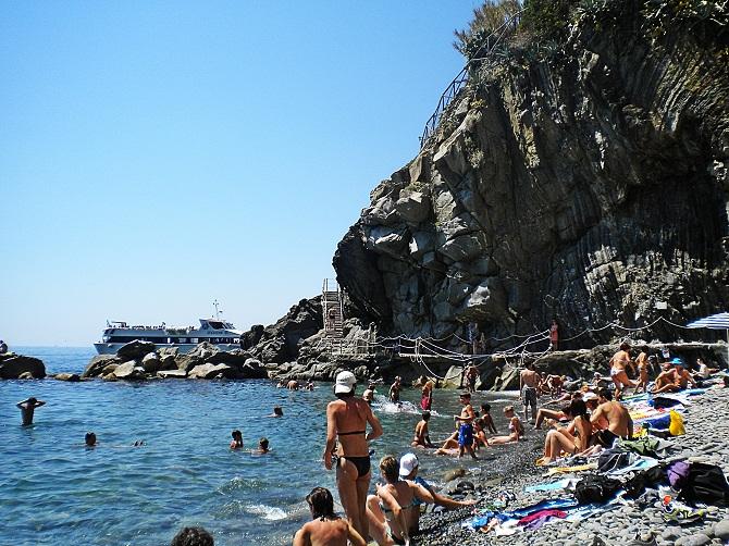 Riomaggiore_beach