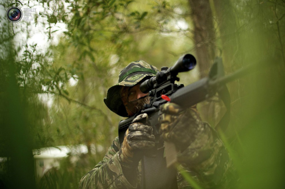 真枪实弹:美国儿童荒野求生训练实录