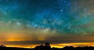 最后说明一下,麒麟山环境优雅,肉眼可看到银河,满天繁星自然不在话下。可惜DC不够给力,不好意思上图了,转载一张。谢谢观赏~