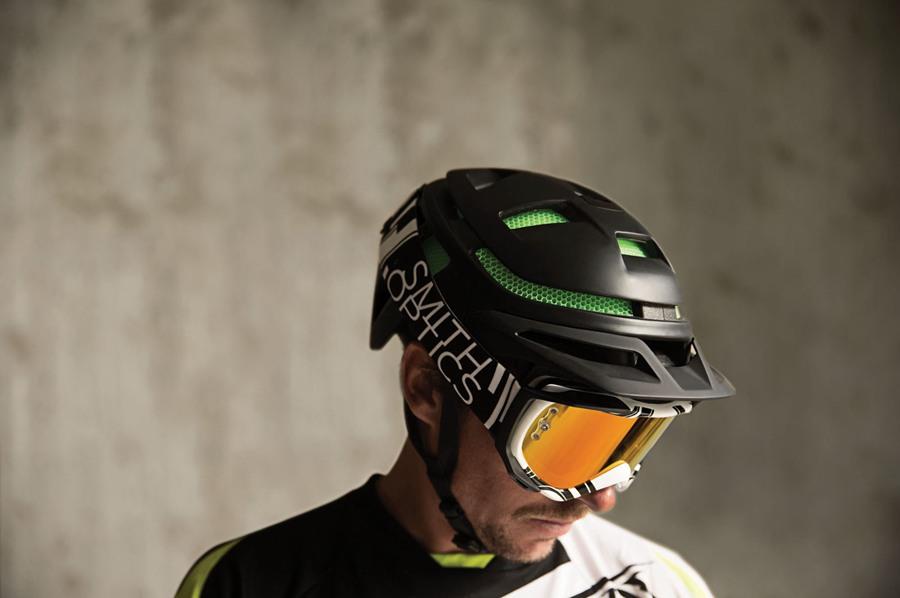 只有285克!ForeFront超坚固山地车头盔