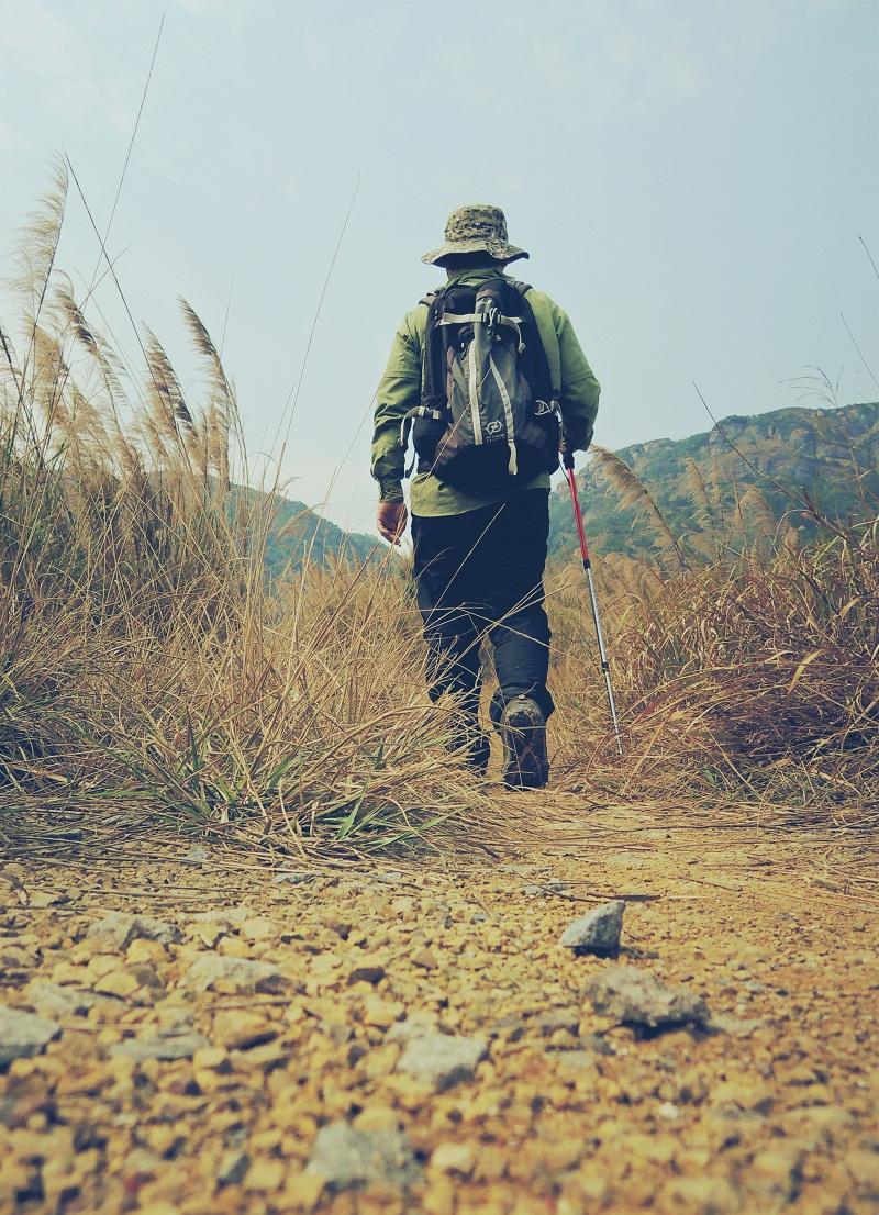 野蛮人徒步旅行