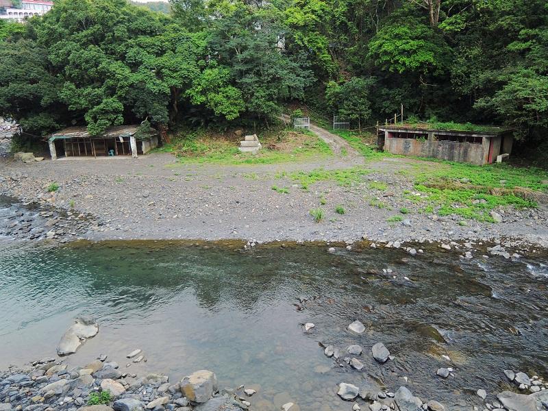 台湾桃园小乌来景区清澈的溪水
