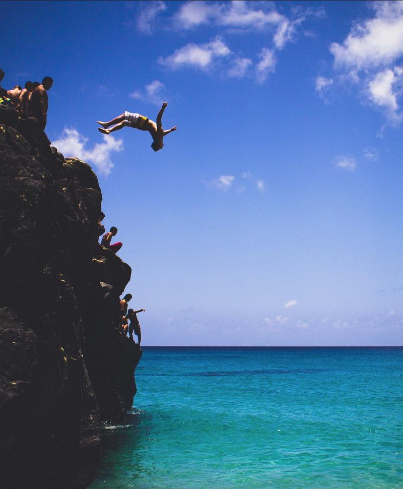 来一次悬崖跳水