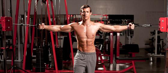 器械训练胸肌