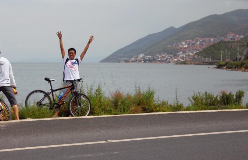 单车环洱海