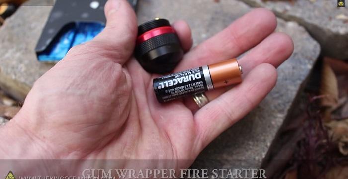 [视频]AA电池+口香糖纸 野外求生就是这么简单