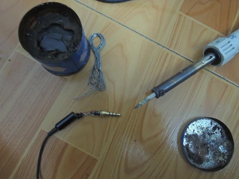 电烙铁焊接耳麦