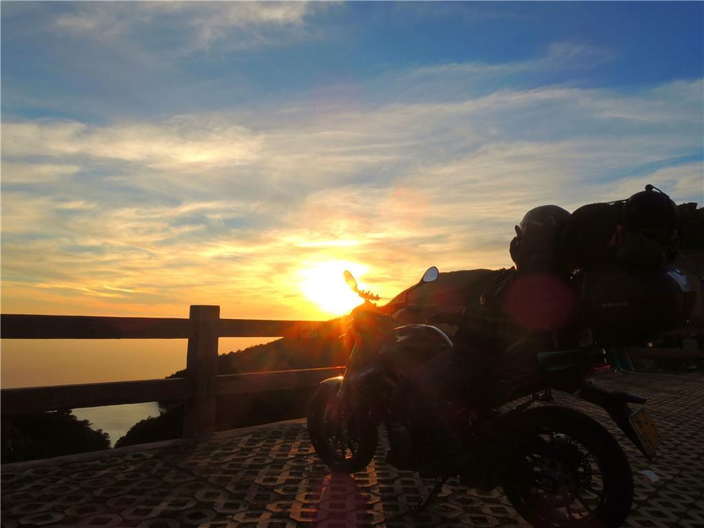 牛石山日落