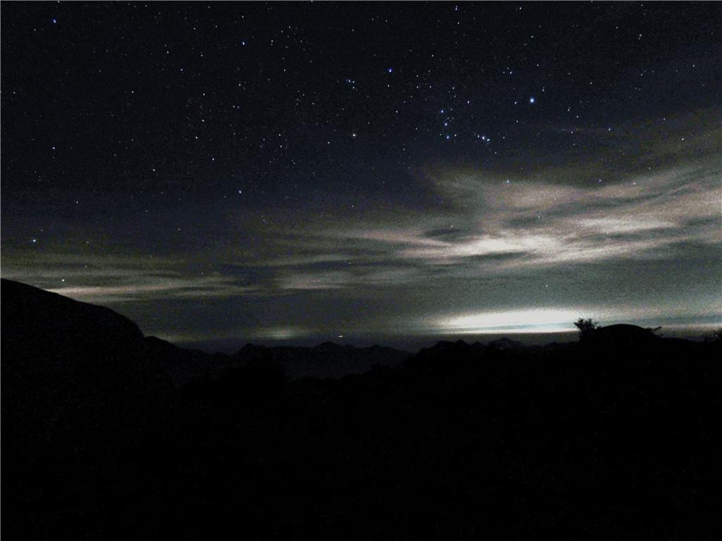 牛石山夜空