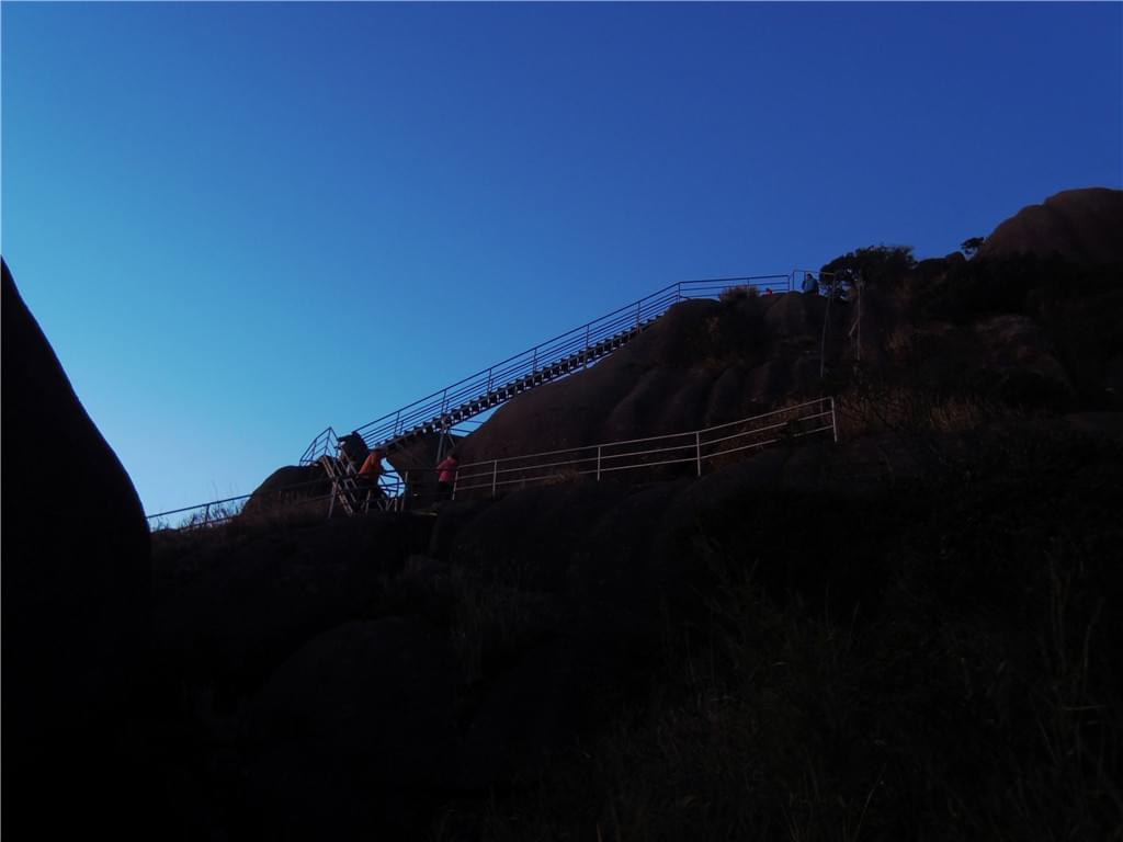 牛石山天梯