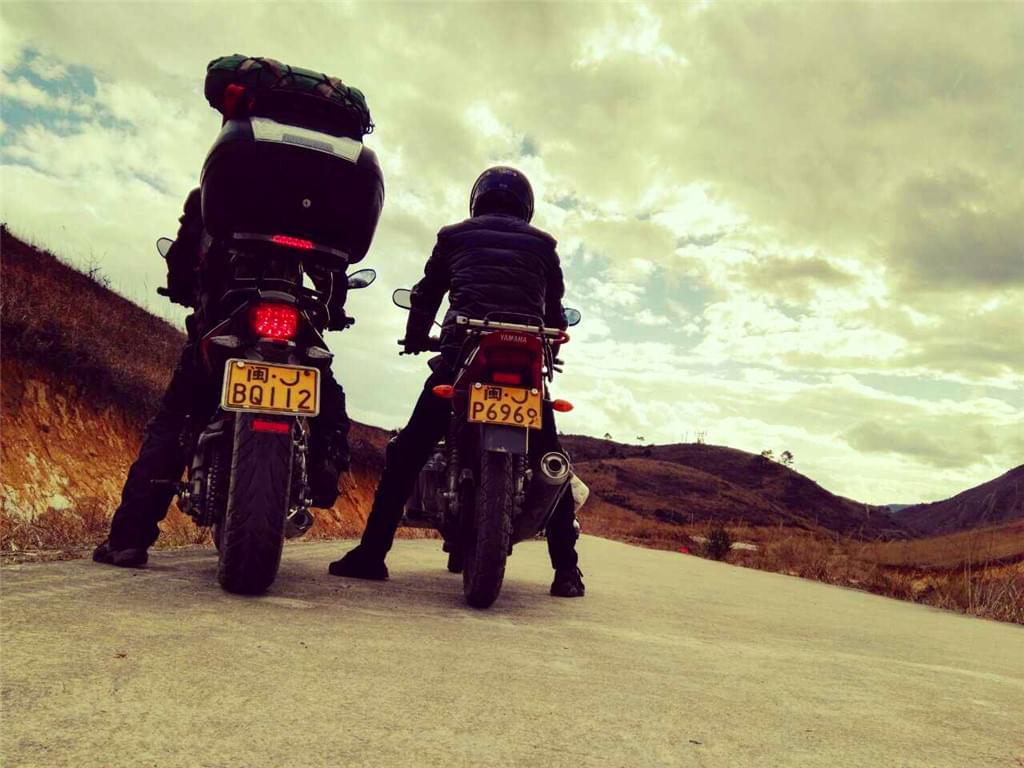 杉洋白溪草场摩托车旅行