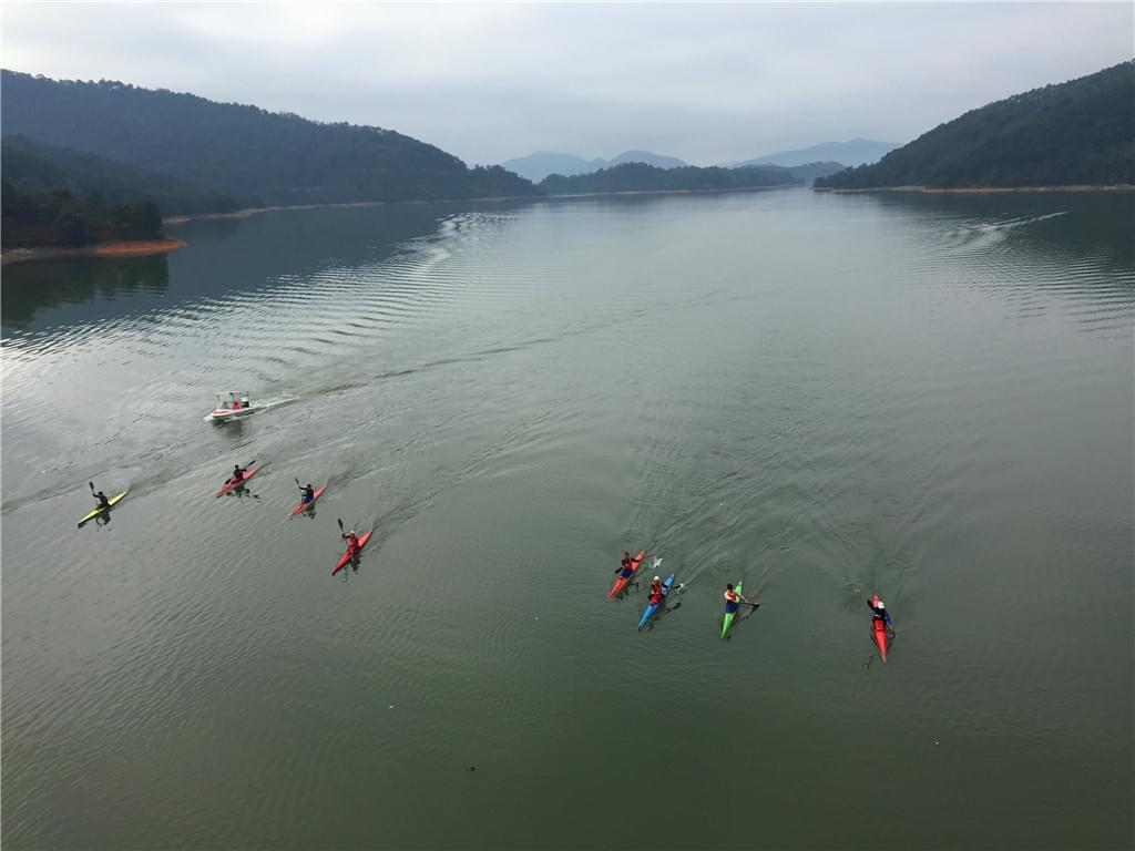 翠屏湖独木舟训练