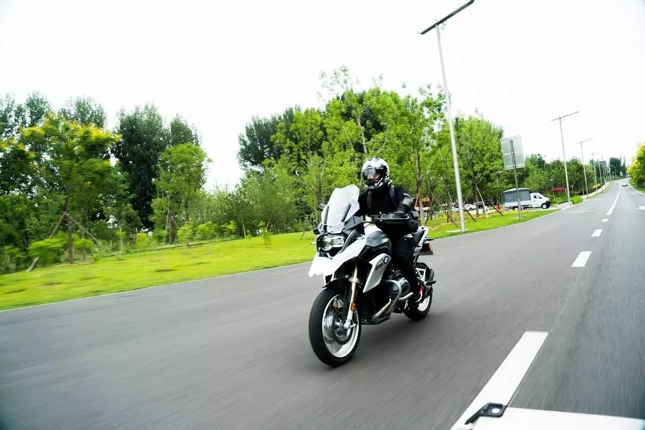 【大德良驹】第二章;基础操控-油门与刹车带来的车辆动态反应,基础重心移动概论