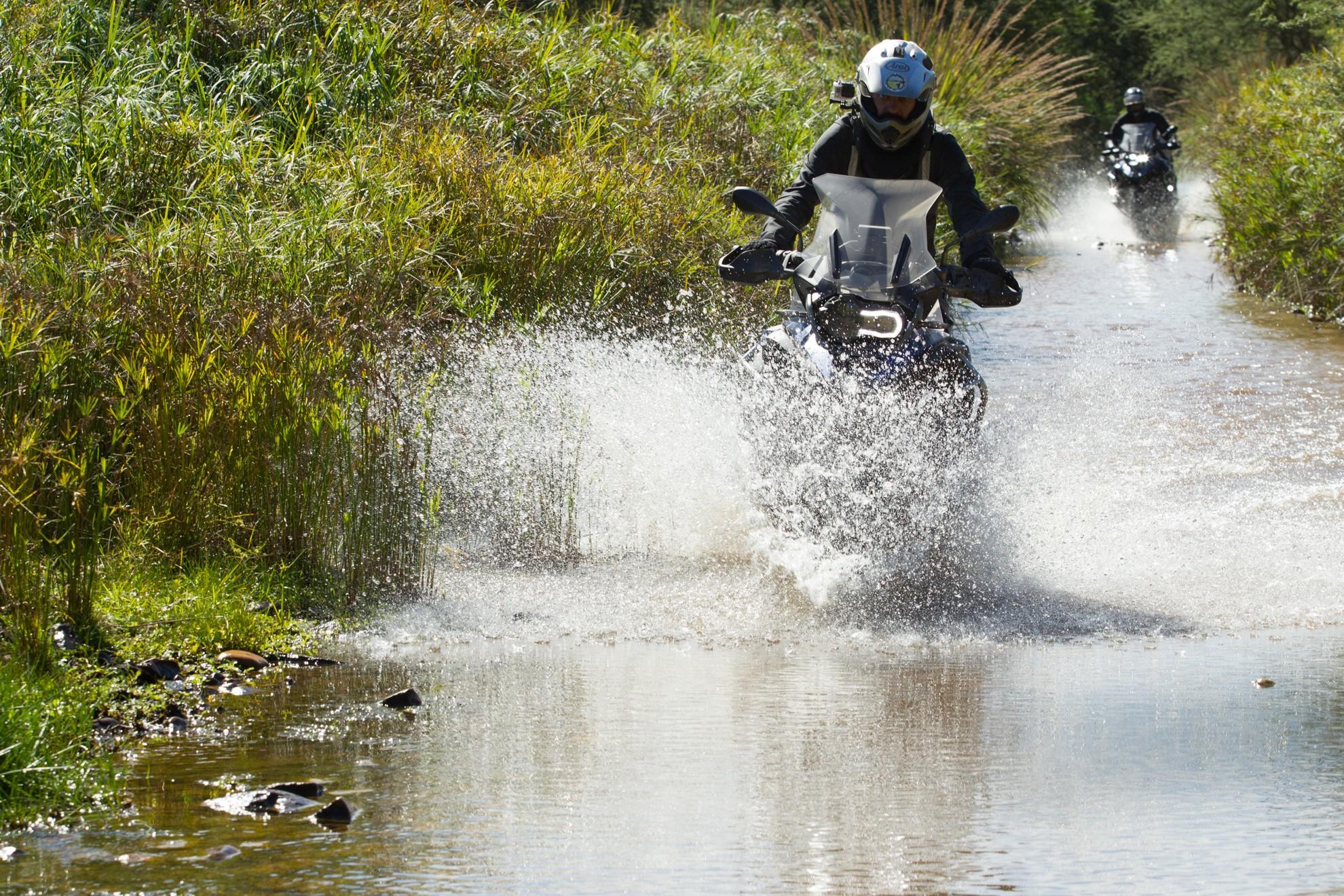 自驾游推荐:骑着摩托车去旅行