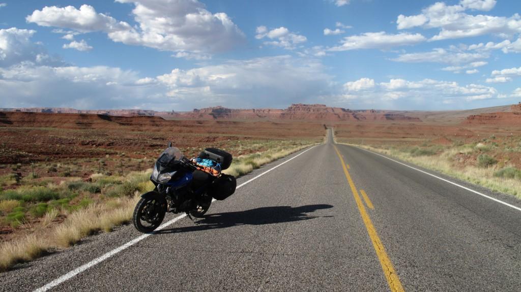 骑着摩托车去旅行