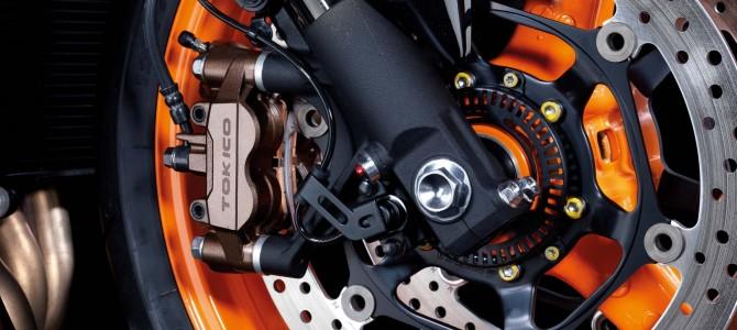 你会自己动手更换摩托车刹车片吗?