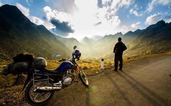 一万次摩托车旅行也拯救不了平庸的你